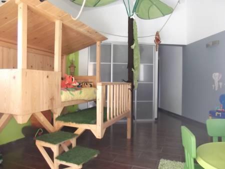 ameublement art de la table meubles occasion les arcs. Black Bedroom Furniture Sets. Home Design Ideas