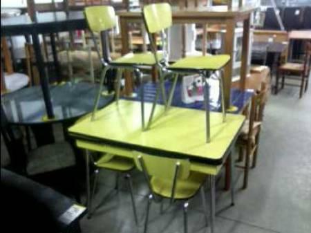 ameublement art de la table meubles occasion orleix. Black Bedroom Furniture Sets. Home Design Ideas