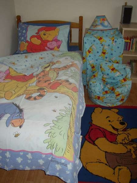 Used baby clothes East Riding of Yorkshire Beverley - HU17 - Photos for POOH BEAR BEDROOM SET
