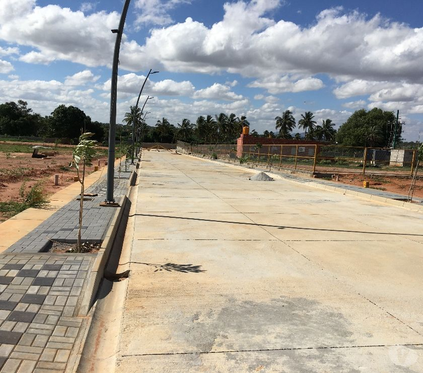 Land sale Bangalore - Photos for airport road near vidhya nagar cross sites for sale