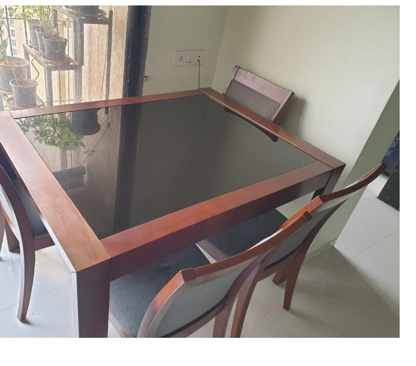 Used Furniture for Sale Thane - Photos for Urban Ladder Brand Toughened Glass top 4-6 seat extendable D