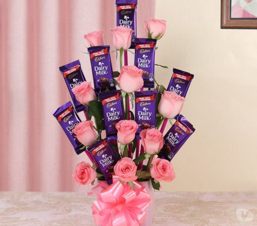 Buy & Sell Gift Delhi - Photos for Do Not Miss Buy Anniversary Chocolates from MyFlowerTee