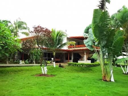 Case e investimenti immobiliari all 39 estero for Piani domestici moderni 2500 piedi quadrati