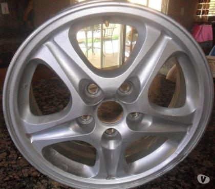 Fotos de 2003 MITSUBISHI OUTLANDER ALUMINUM ALLOY WHEELS - $60